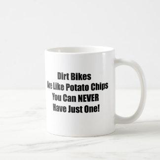 Las bicis de la suciedad son como las patatas taza