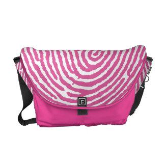 Las bolsas de mensajero hechas a mano rosadas de T Bolsa De Mensajería
