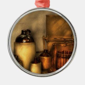 Las botellas - hagamos un poco de zumo de manzana adorno redondo plateado