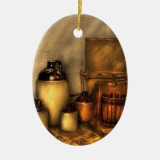 Las botellas - hagamos un poco de zumo de manzana adorno ovalado de cerámica