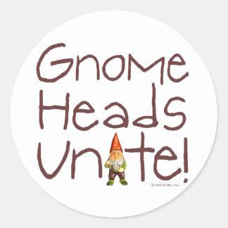 ¡Las cabezas del gnomo unen! Pegatina Redonda
