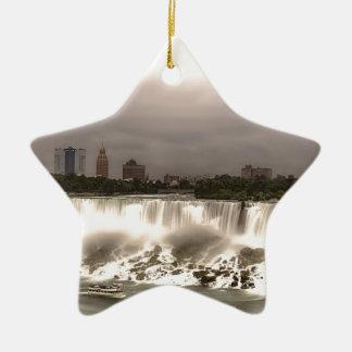 Las caídas del americano y del velo adorno navideño de cerámica en forma de estrella