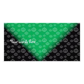 Las calabazas blancas en negro verde se descoloran tarjeta personal