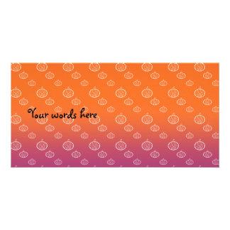 Las calabazas en púrpura anaranjada se descoloran tarjetas fotograficas
