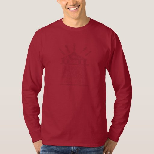 Las camisas de manga largas oscuras de los hombres