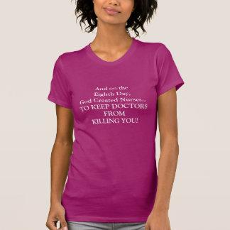 """Las camisetas hilarantes """"dios de la enfermera cre"""