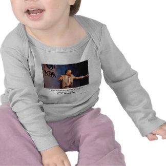 Las camisetas y los coleccionables de los regalos
