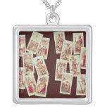Las cartas de tarot de los Arcana principales Collar Plateado