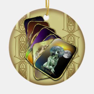 Las cartas de tarot personalizaron alrededor del o ornamento de navidad