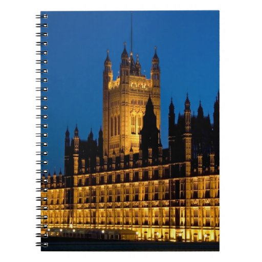 Las casas del parlamento en la noche en la ciudad  libros de apuntes con espiral