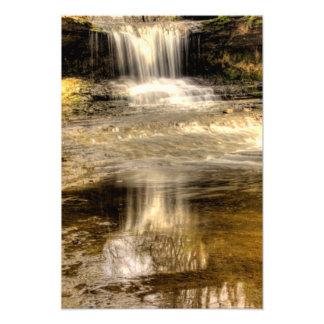 Las cascadas en la reserva de naturaleza de Helen Fotografía