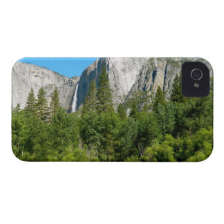 Las cataratas de Yosemite Case-Mate iPhone 4 Protector