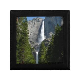 Las cataratas de Yosemite II del parque nacional