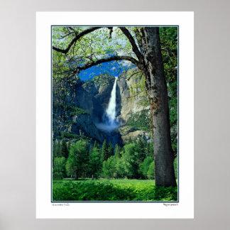 Las cataratas de Yosemite Poster