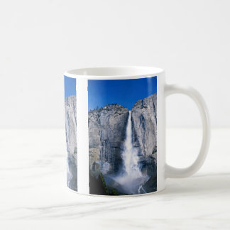 Las cataratas de Yosemite superiores, California, Taza Clásica