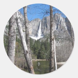 Las cataratas de Yosemite superiores Pegatina Redonda
