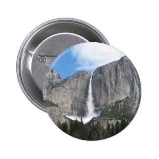 Las cataratas de Yosemite superiores Pin Redondo De 2 Pulgadas