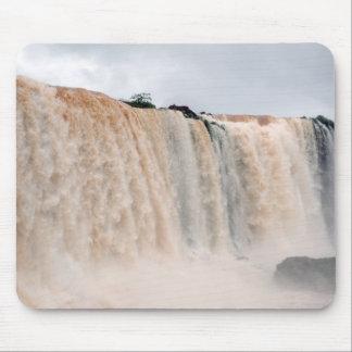 Las cataratas del Iguazú el Brasil/la Argentina Tapete De Ratones