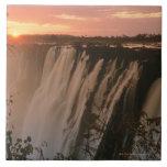 Las cataratas Victoria con el sol en horizonte, Vi Azulejo Cuadrado Grande