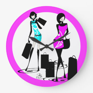 Las compras femeninas de la moda modelan de moda reloj de pared