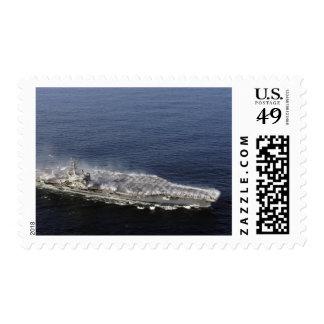 Las contramedidas arrastran las regaderas timbre postal