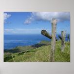 Las cruces pasan por alto la isla de South Pacific Poster