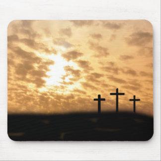 """Las cruces y puesta del sol preciosas """"él es"""" Mous Tapete De Raton"""