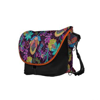 Las cuentas de cristal coloridas miran diseño flor bolsa de mensajeria