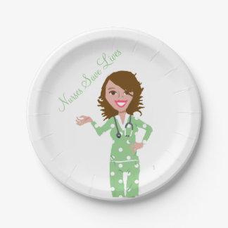 Las enfermeras ahorran las placas disponibles del plato de papel de 7 pulgadas