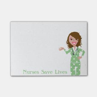 Las enfermeras ahorran notas de post-it de las vid post-it notas