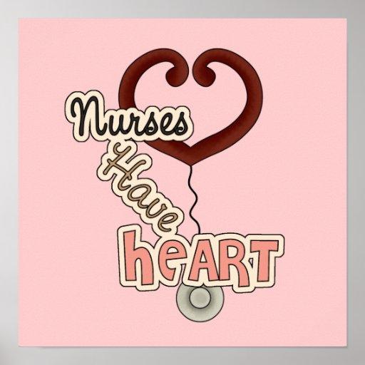Las enfermeras del estetoscopio tienen camisetas y impresiones
