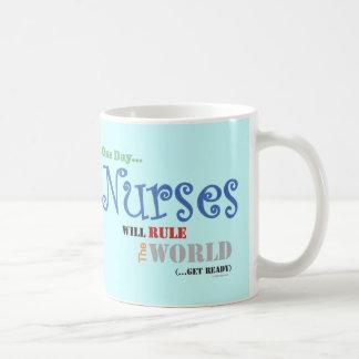 Las enfermeras gobernarán la taza del MUNDO