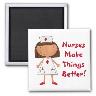 Las enfermeras hacen cosas mejores imán cuadrado