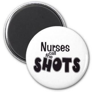 Las enfermeras llaman el imán de los tiros