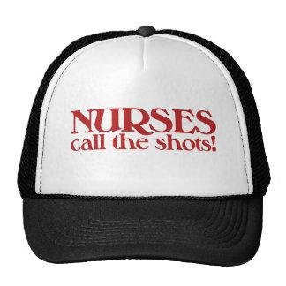 Las enfermeras llaman los tiros gorros