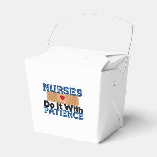 Las enfermeras lo hacen con paciencia caja para regalos de fiestas