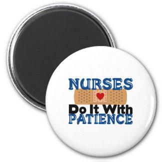 Las enfermeras lo hacen con paciencia imán redondo 5 cm