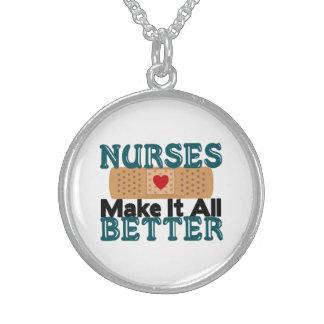 Las enfermeras lo hacen todo mejor collares de plata esterlina