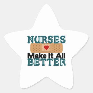 Las enfermeras lo hacen todo mejor pegatina en forma de estrella