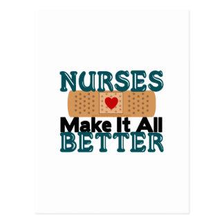 Las enfermeras lo hacen todo mejor postal