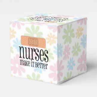 Las enfermeras lo hacen un vendaje mejor, lindo de cajas para regalos