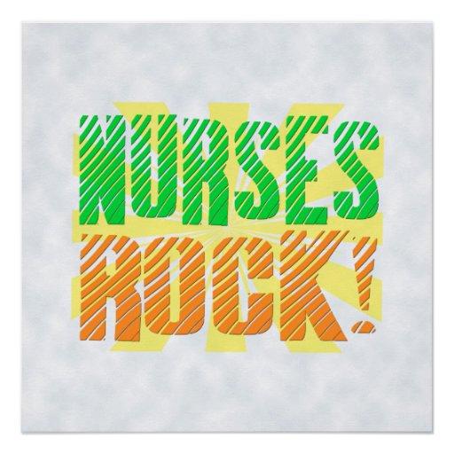 Las enfermeras oscilan, enfermera anaranjada/verde