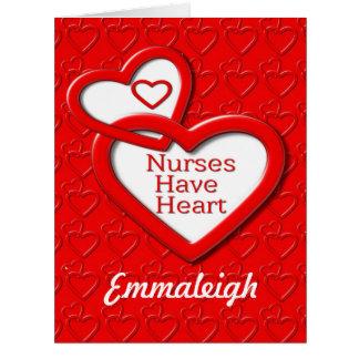 Las enfermeras tienen corazón el fijar de tarjeta de felicitación grande