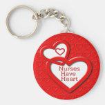 Las enfermeras tienen corazones del rojo del coraz llaveros personalizados
