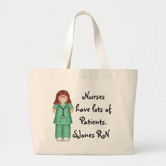 Las enfermeras tienen tote bolsas