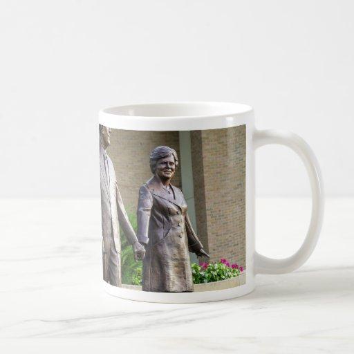 Las estatuas tazas de café