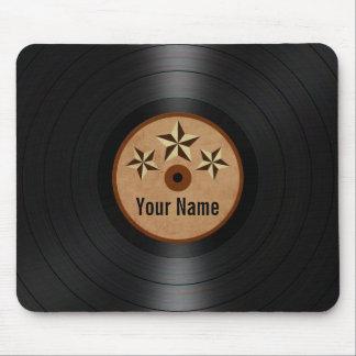 Las estrellas de Brown personalizaron el álbum de  Tapetes De Raton