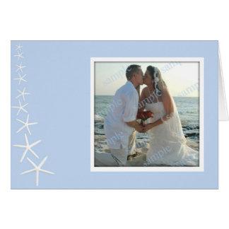 Las estrellas de mar azules claras, casando la fot tarjeton