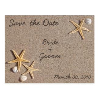 Las estrellas de mar en la playa ahorran las posta postal
