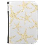 Las estrellas de mar modelan en amarillo y blanco